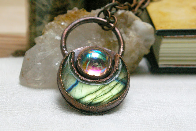 https://www.etsy.com/ca/listing/715131491/witchy-boho-pendant-labradorite-crescent