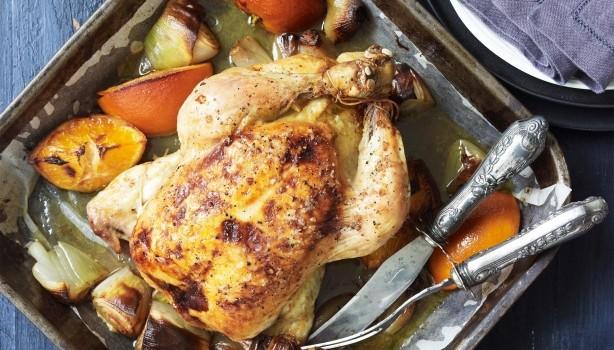Ψητό κοτόπουλο με πορτοκάλι και μυρωδικά