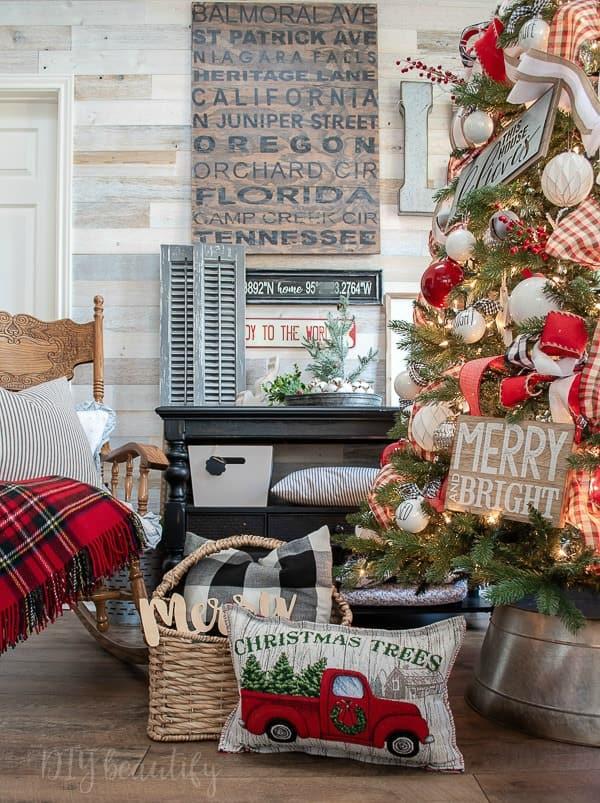 farmhouse Christmas tree and decor