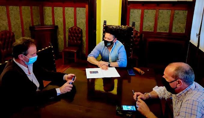 Menéndez recibió al concejal de Juntos Por El Diálogo