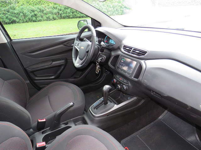 GM Onix LT 1.4 Automático 2015 - interior