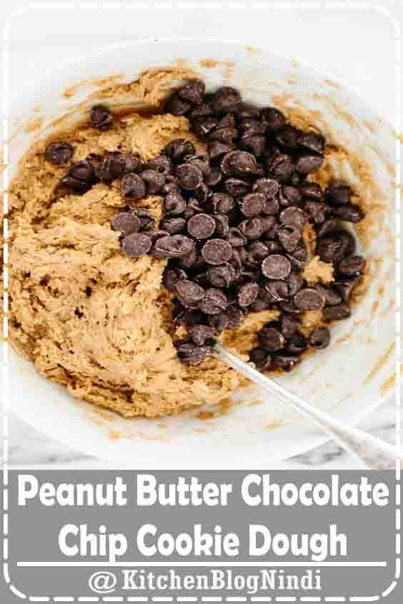 4.9★★★★★   These speedy vegan and gluten-free 5-minute peanut butter chocolate chip cookie dough is the perfect solution to a sweets craving. It comes together in a flash and contains a boost of dietary fiber, vitamin e, and healthy fats. #Peanut #Butter #ChocolateChip #CookieDough