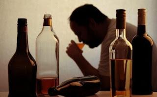 Depressão é outra consequência entre dependentes químicos do álcool