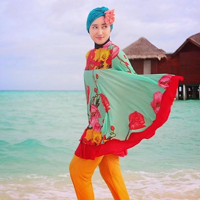 Tips  memakai baju renang muslim dian pelangi