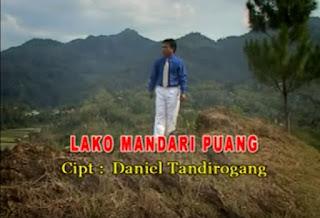 Download Lagu Toraja Lako Mandari Puang (Daniel Tandirogang)