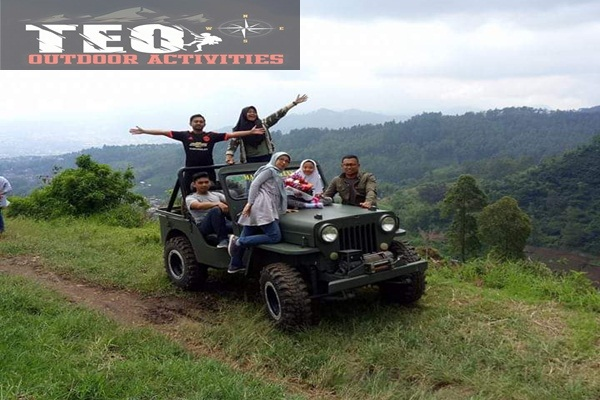 Offroad Keliling Wisata Alam Kota Batu Dengan Jeep