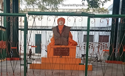 प्राचीन श्री हनुमान गुफा इलाहाबाद - Hanuman Mandir Allahabad