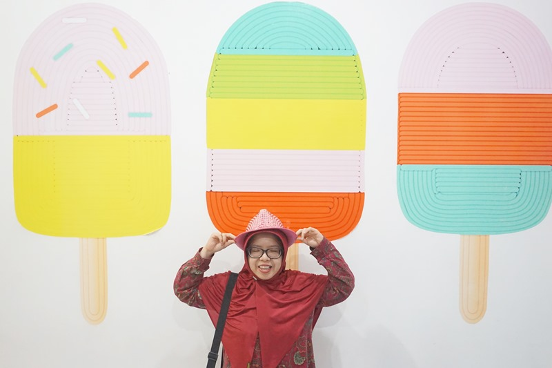 Ice Cream World Jatim Park 3, selfie, woman selfie with hat