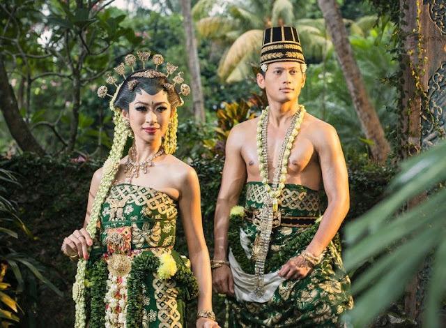 Pakaian Adat Provinsi Jawa Tengah – Pakaian Adat Tradisional Kebaya