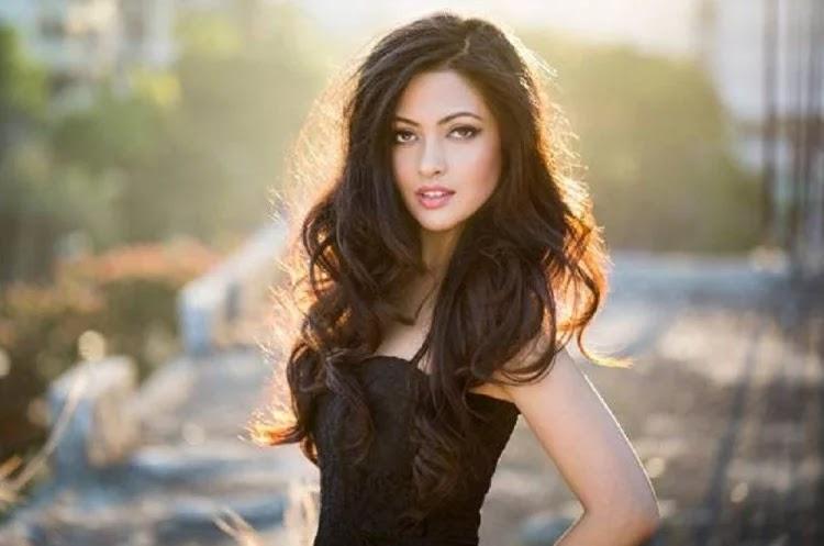 Riya Sen Confessed That She Is Instagram Addict