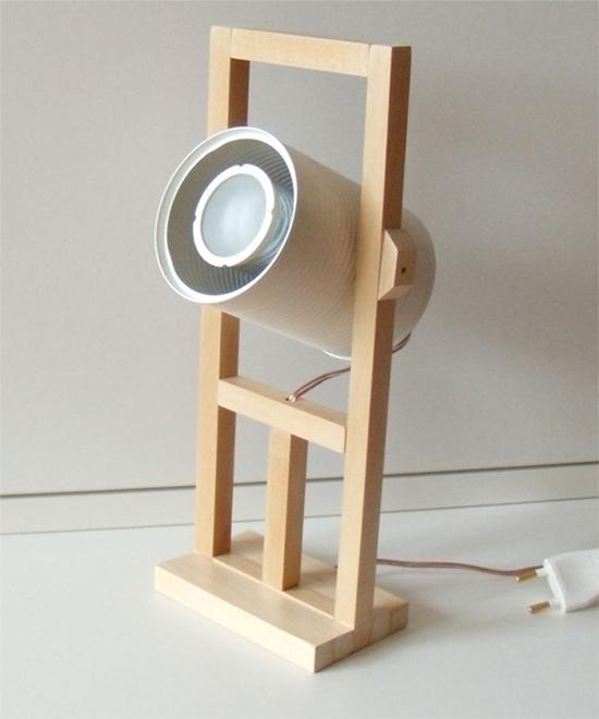 luminária com lata, luminária, faça você mesmo, a casa eh sua, diy, reciclagem, upcycling, luminária madeira
