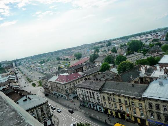 Львів. Фото з оглядового майданчику церкви св. Ольги і Елізавети