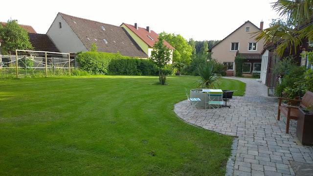 der Rasen ist wieder gemäht (c) by Joachim Wenk