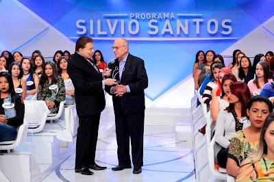 Silvio recebe prêmio - Crédito: Lourival Ribeiro/SBT