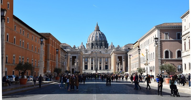 Road to St Peters, Rome
