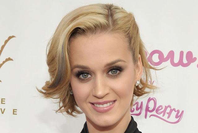 Maquiagens de festa Katy Perry loira