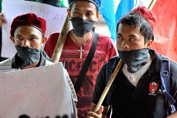 Ricuh, Orasi Wapres JK Diboikot dengan Aksi Tutup Mulut