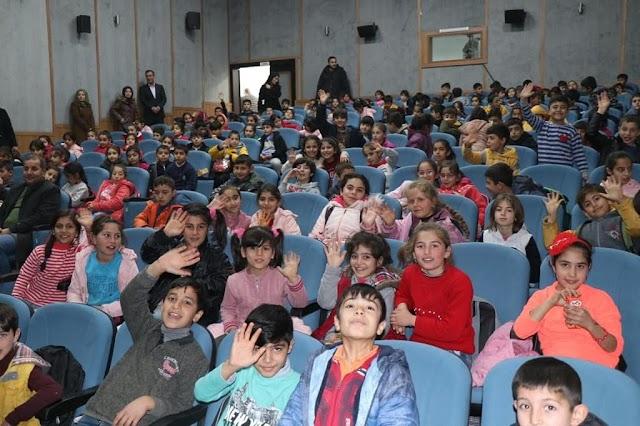 Bozova'da ücretsiz sinema günleri başladı