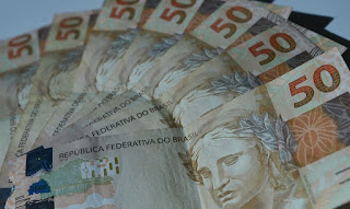 Caixa Econômica divulga calendário para pagar auxílio de R$ 600 nesta segunda-feira