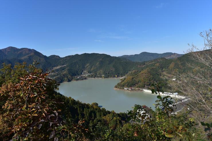 神流湖(かんなこ)と下久保ダム