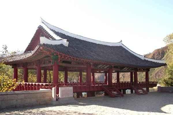 Inphung Pavilion in Kanggye