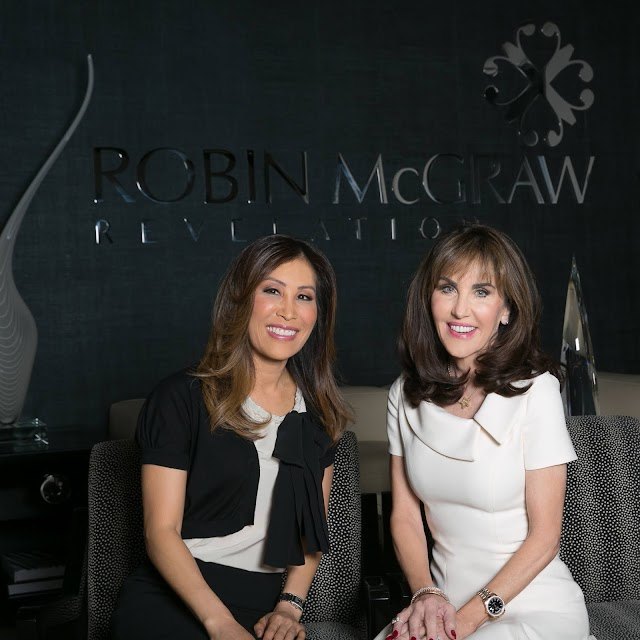 Robin McGraw to Launch a Luxury Skincare Collection
