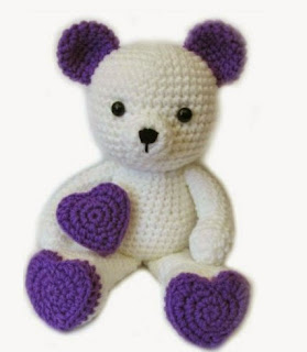 http://translate.google.es/translate?hl=es&sl=en&u=http://www.amigurumitogo.com/2015/02/Valentine-Teddy-Bear-Pattern-Free.html&prev=search