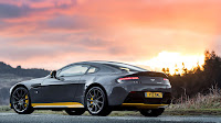 Aston Martin V12 Vantage S with manual transmission