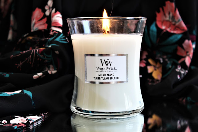 woodwick solar ylang avis, woodwick solar ylang review, solar ylang woodwick, woodwick ylang ylang solaire, bougie parfumée, bougie woodwick, woodwick candles, candle review, scented candle, avis woodwick, bougie en cire végétale