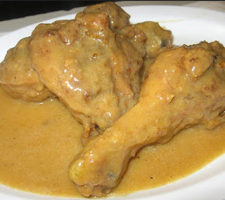Inyama Yenkukhu is a South African dish that is similar to Smothered Chicken and Gravy.