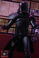 Star Wars Black Series Gaming Greats Electrostaff Purge Trooper 19