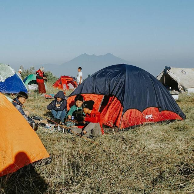 Camping Gayatri Gunung Pangrango Bogor