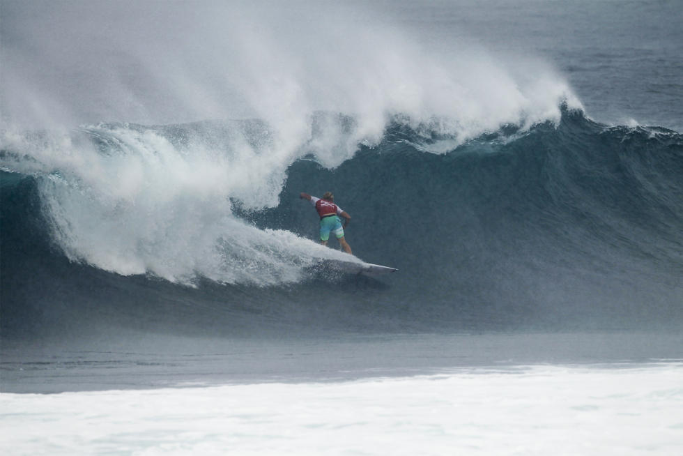 32 Nat Young Billabong Pipe Masters Fotos WSL Kelly Cestari