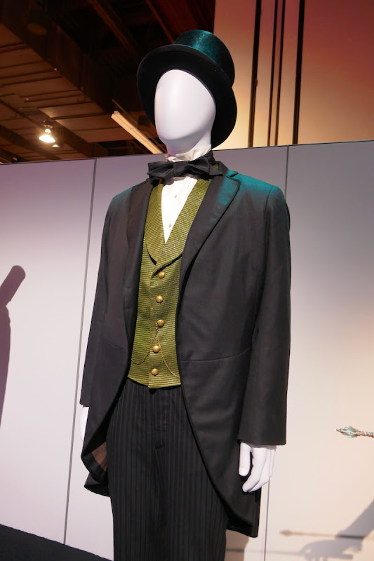 Oscar Diggs Oz the Great and Powerful costume
