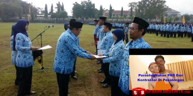 Foto Bugil Tersebar, PNS Ini Dipecat Oleh Bupati Pekalongan Di Depan 3000 Pegawai.