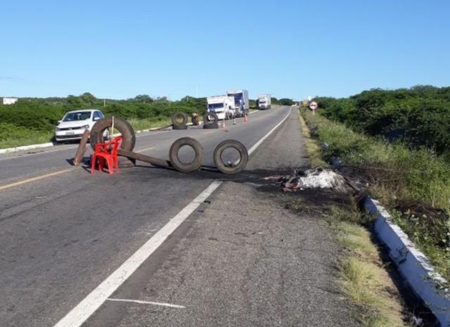 Em mais um dia de greve, rodovias do RN voltam a registrar bloqueios de caminhoneiros