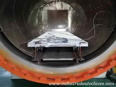 Horizontal-Composite-Autoclave-Installed-and-Used-On-Site-In-Xi'an