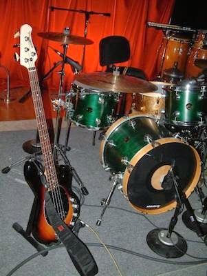 Drums and bass image
