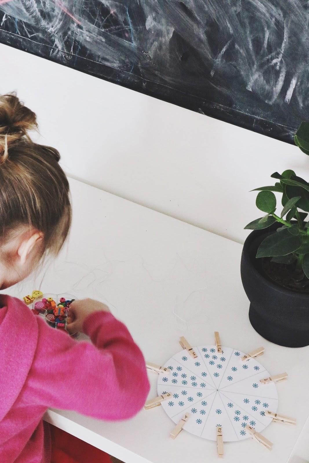 Spieleideen und Montessori Material für Kinder kostenlos zum Ausdrucken