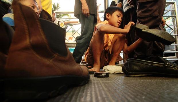 penyemir sepatu