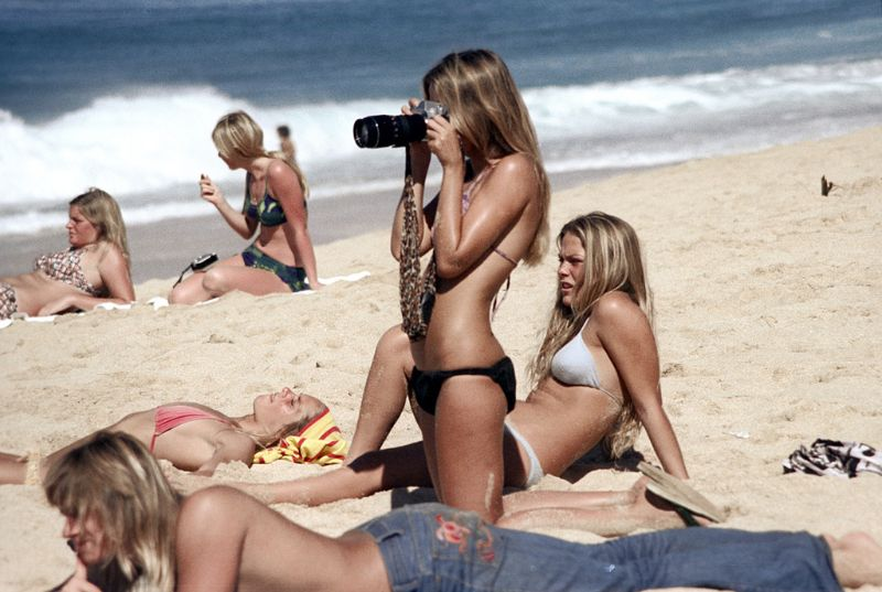 Fascinating Photos That Capture Everyday of Oahu Beaches, Hawaii in the Early 1970s