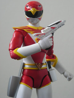 SH Figuarts Red Hawk 02