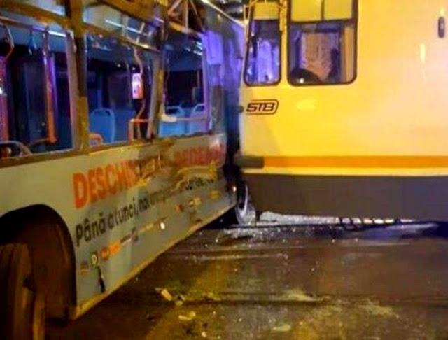 VIDEO/ Accident între un tramvai 41 și un autobuz