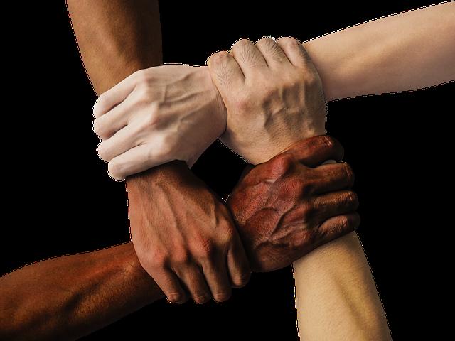 خلفيات لمحاربة العنصرية