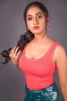 Dakkshi Guttikonda Photoshoot Stills HeyAndhra.com
