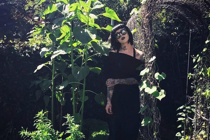 Girasoles en el jardín de Kat Von D