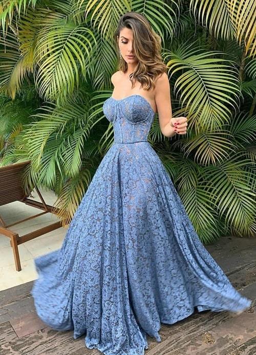 vestido longo azul rendado