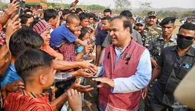আসামের নতুন মুখ্যমন্ত্রী হিসেবে শপথবাক্য পাঠ করলেন হেমন্ত বিশ্বশর্মা