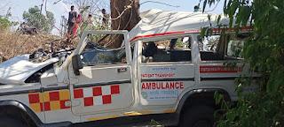 सड़क हादसा: जननी एक्सप्रेस पलटी, चालक की मौत