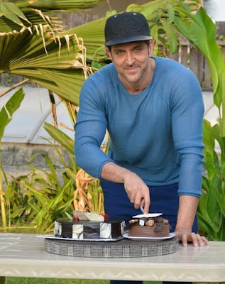 b-town-celebs-wish-amazing-dancer-hrithik-on-birthday